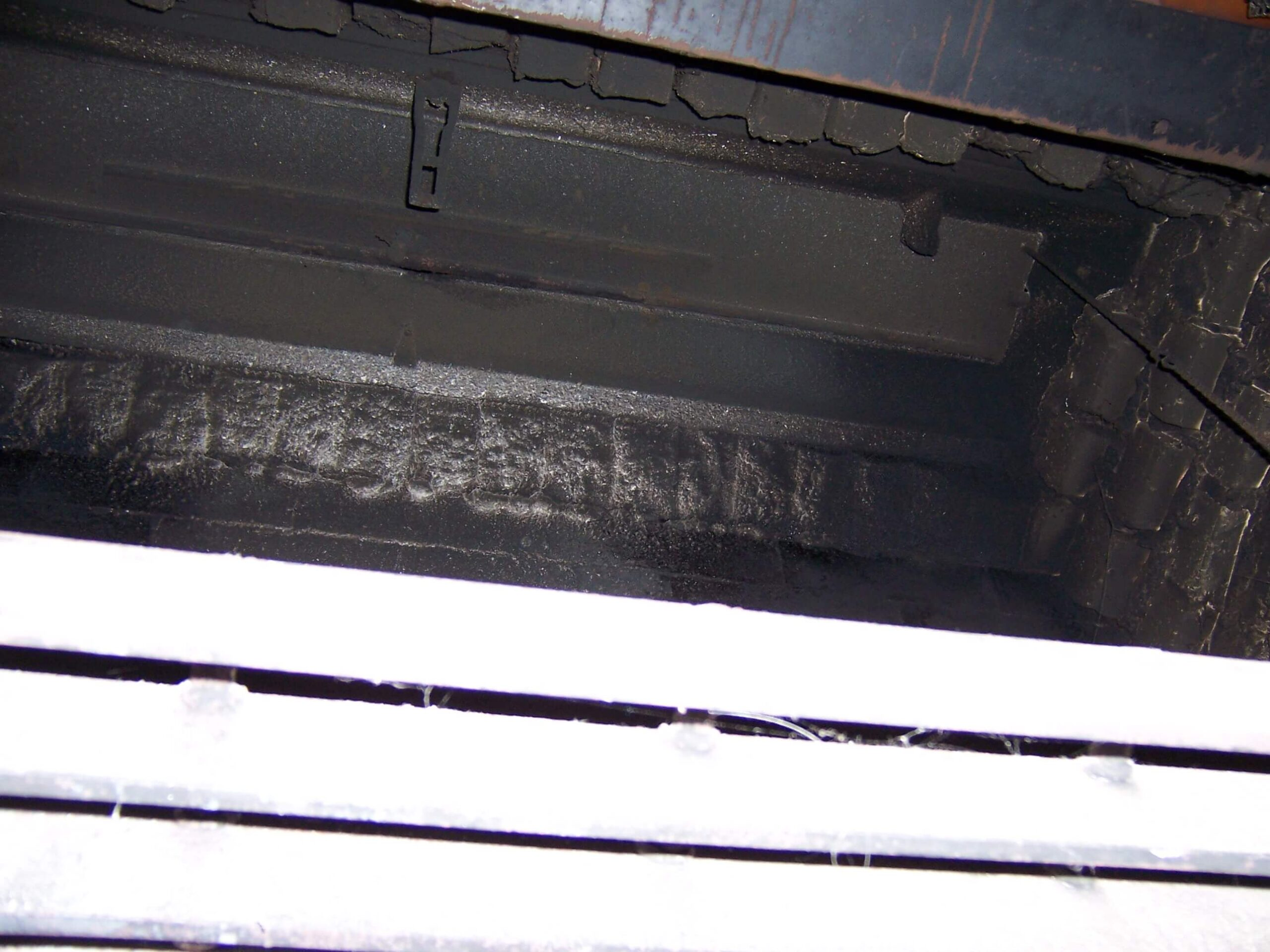 Closed Long center pivot chain damper